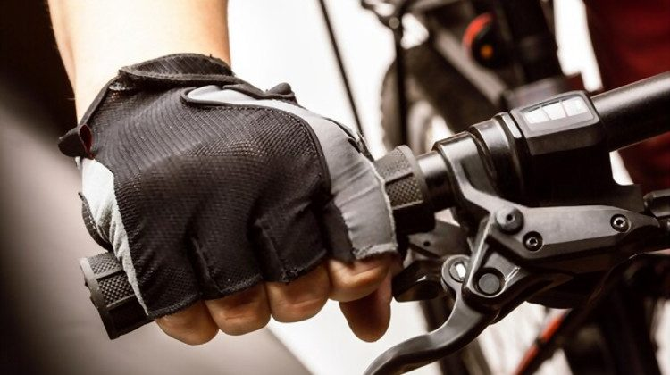 10 Best Cycling Gloves for Smoother Cruising in 2020